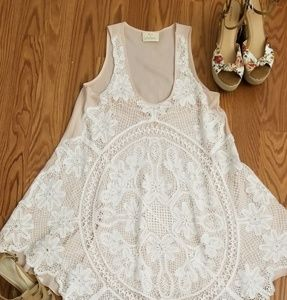 Sleeveless Lace Flared tunic